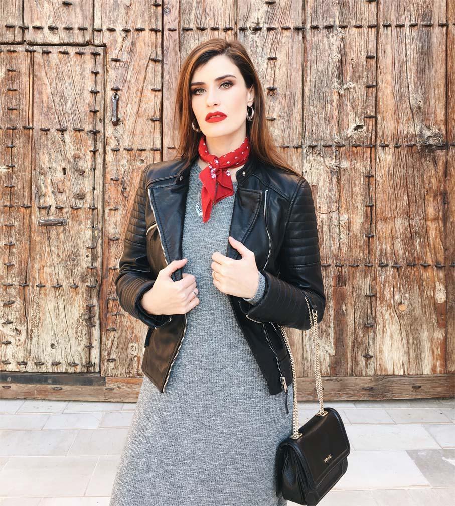 marikowskaya street style vestido largo gris (15)