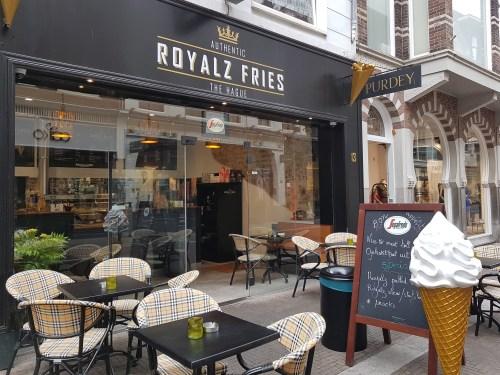 voorkant van luxueuze snackbar Royalz Fries