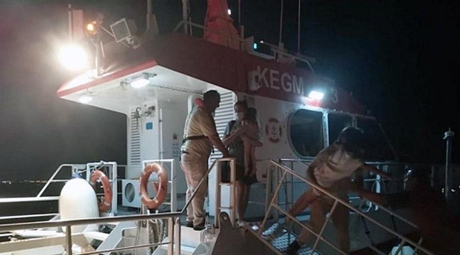 Kartal Açıklarında Arızalanan Teknedeki 3'ü Çocuk 5 Kişi Kurtarıldı