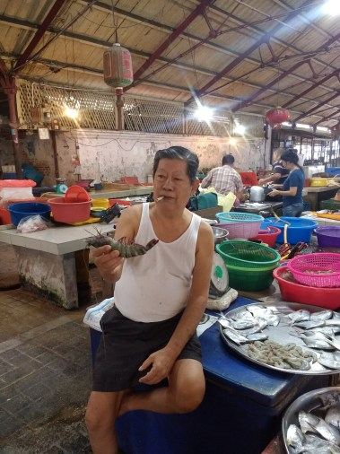 Cooking class market tour: a man and his fish