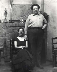 Frida and Diego in 1930.