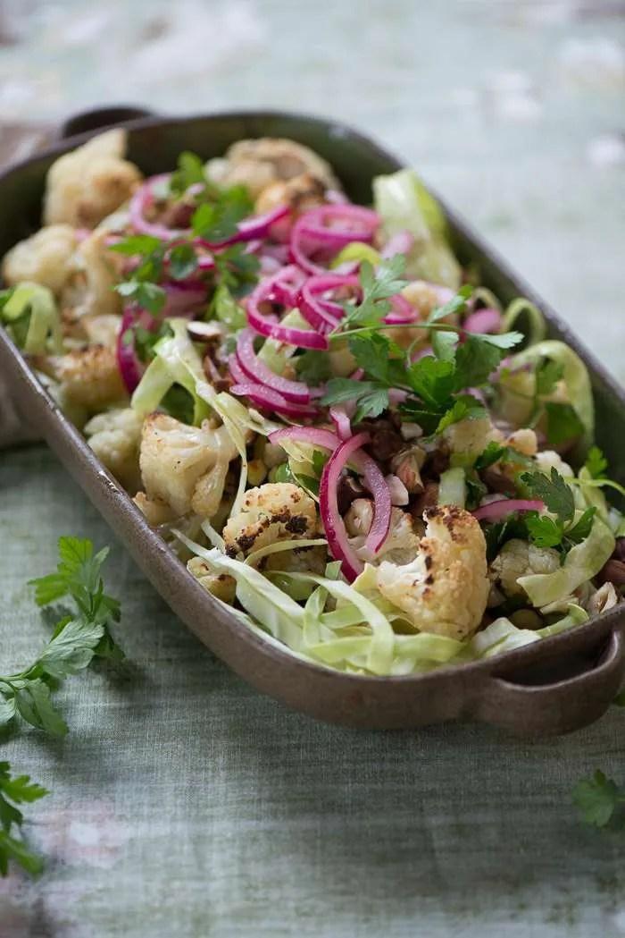 Salat med bagt blomkål. Opskrift