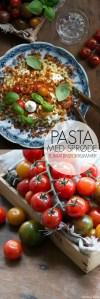 Pasta med sprøde tomat brødkrummer