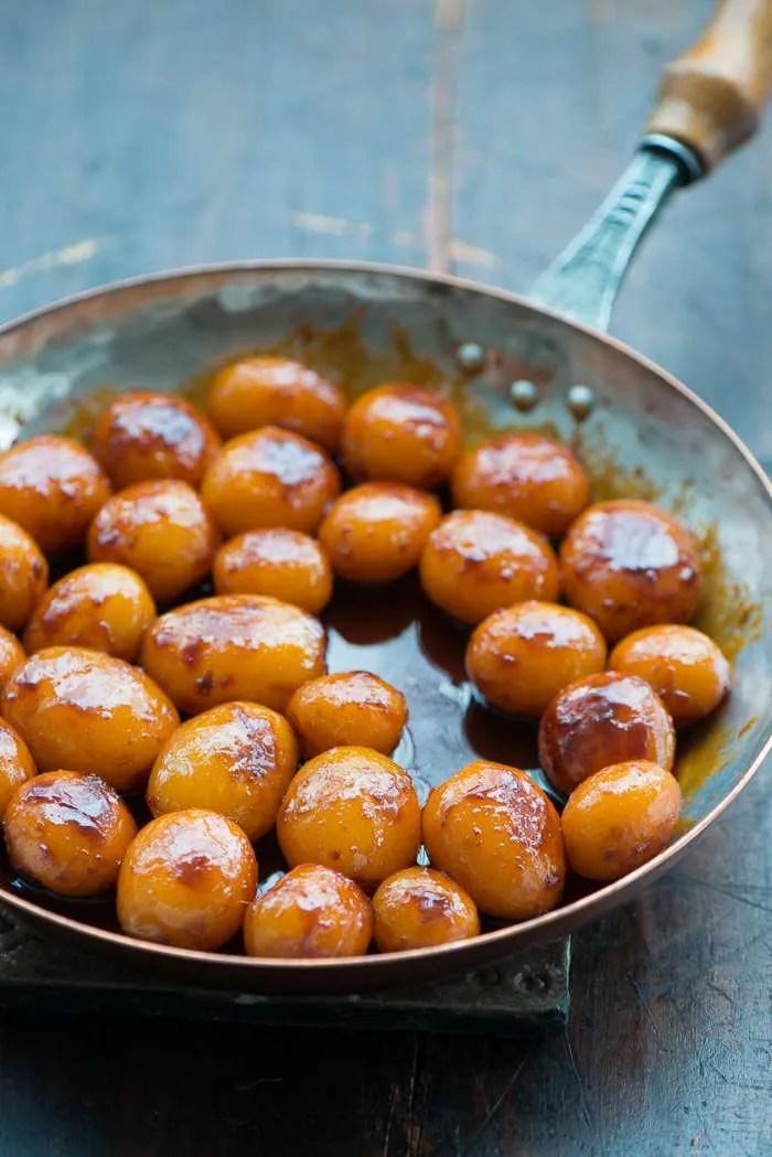 Opskrift på brunede kartofler