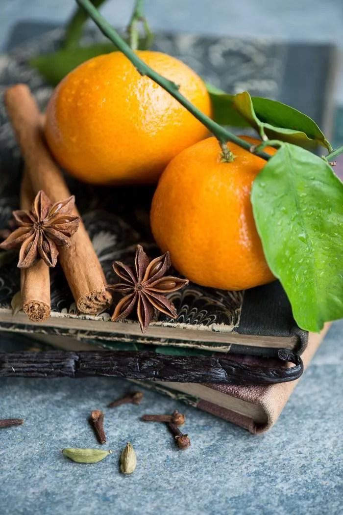Mandariner og krydderier til juledessert