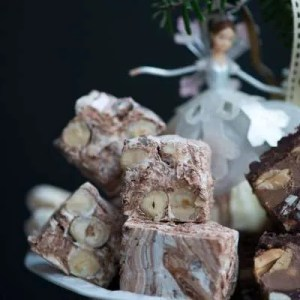 Opskrift på fransk nougat med chokolade fra Marinas Mad