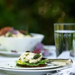 Opskrift på hjemmelavet hønsesalat fra Marinas Mad