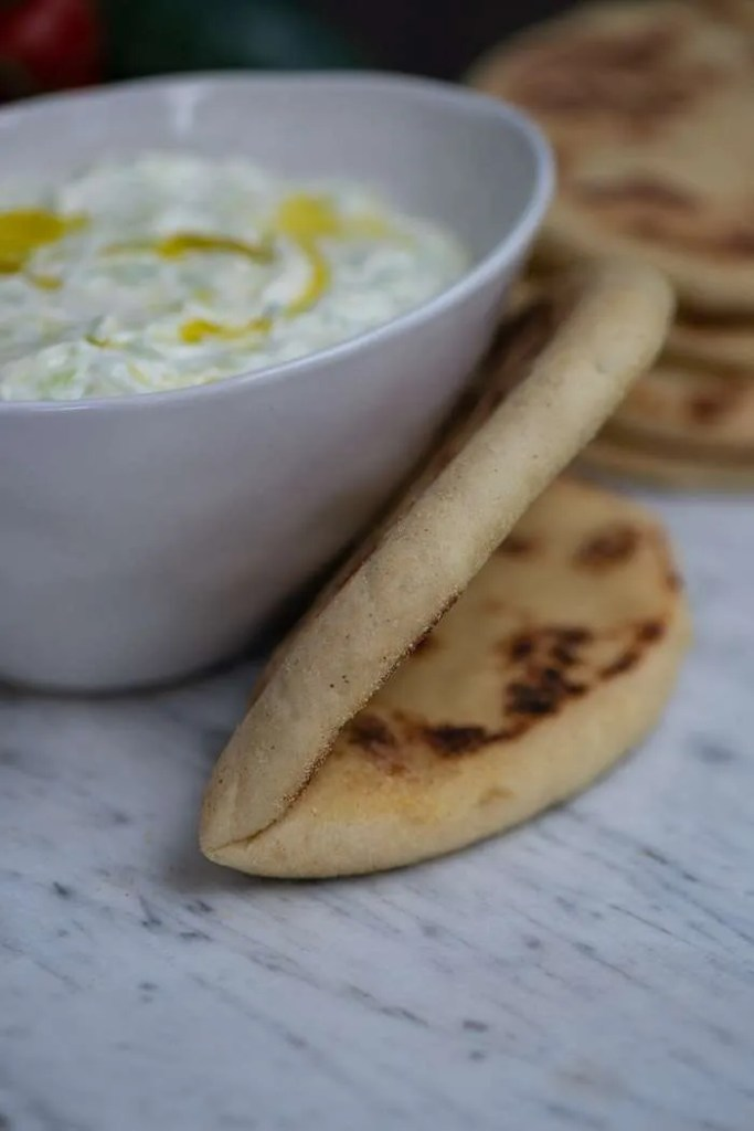 Ægte græsk tzatziki nem og skøn opskrift