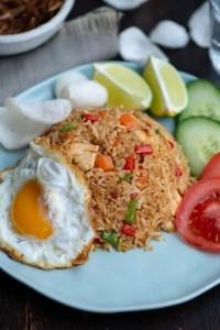 Opskrift på den indonesiske risret Nasi Goreng