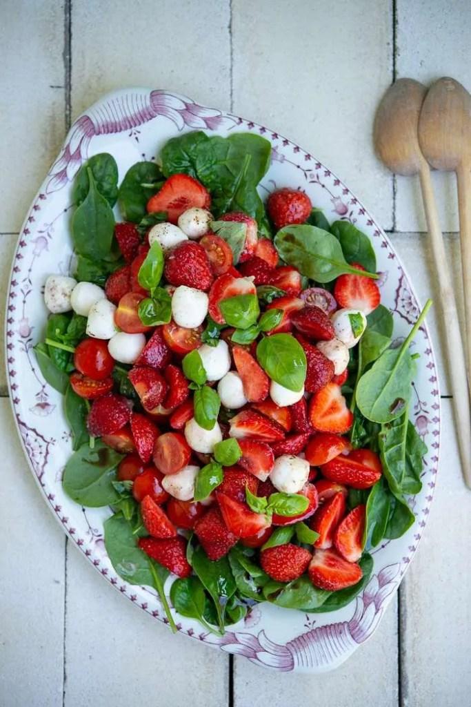 Opskrift på jordbærsalat