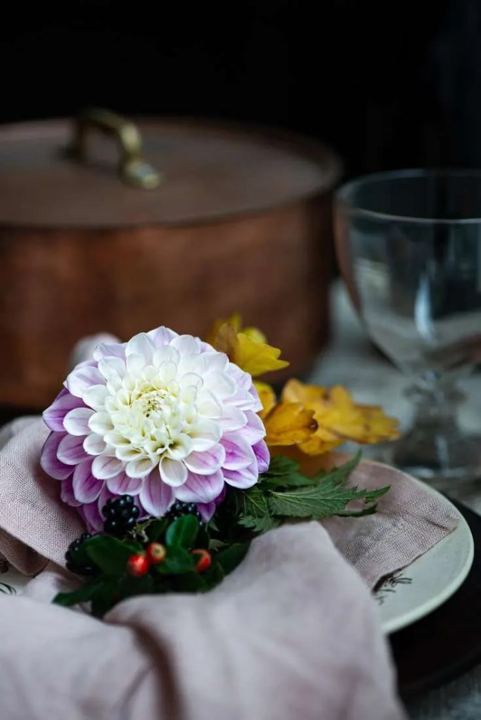 Bordet er dækket smukt op til efterårsjævndøgn