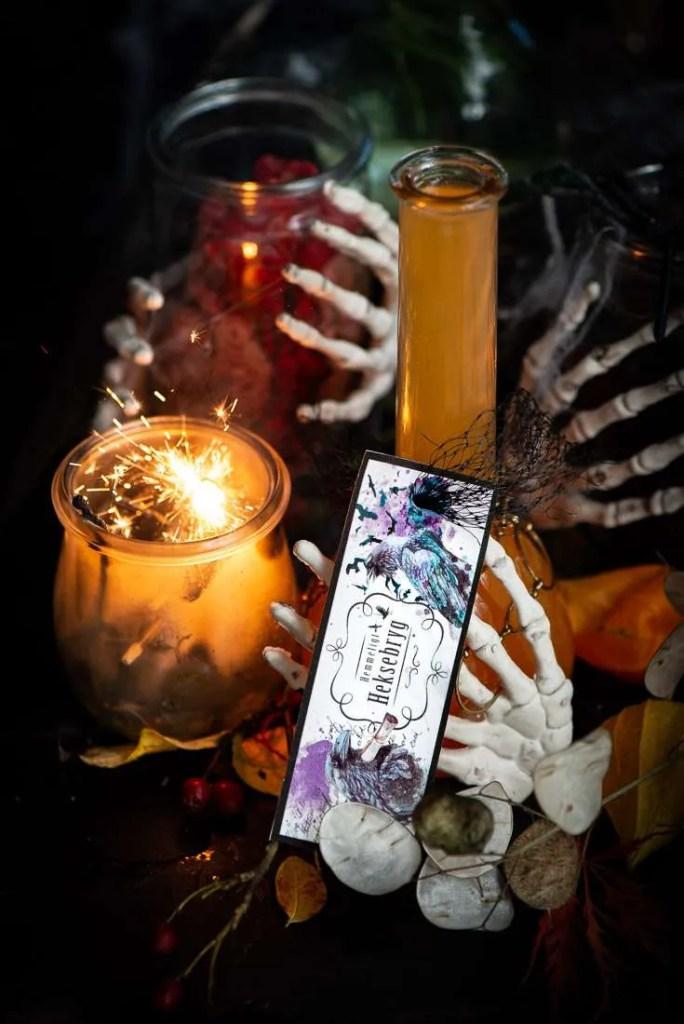 Etiketten er brugt til at Halloween pynte