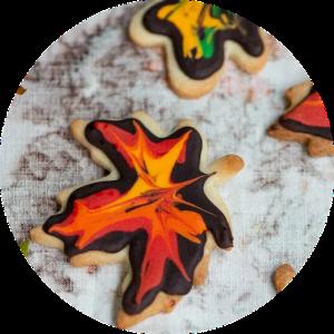 Opskrift på at pynte småkager som efterårsblade