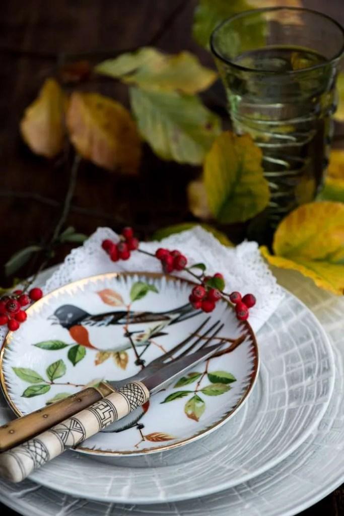 November madplan med efterårsfugl og efterårsblade