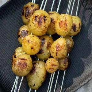 Opskrift på kartofler grillet på spyd