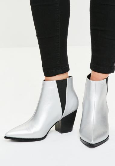 bottines-argentes-pointues-style-western