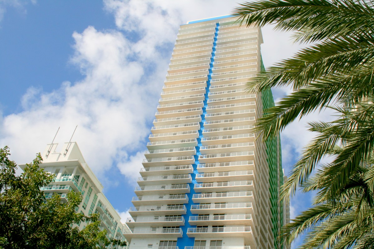1200 Brickell Bay Dr. Unit 2604 Brickell FL $250,000 (SOLD)