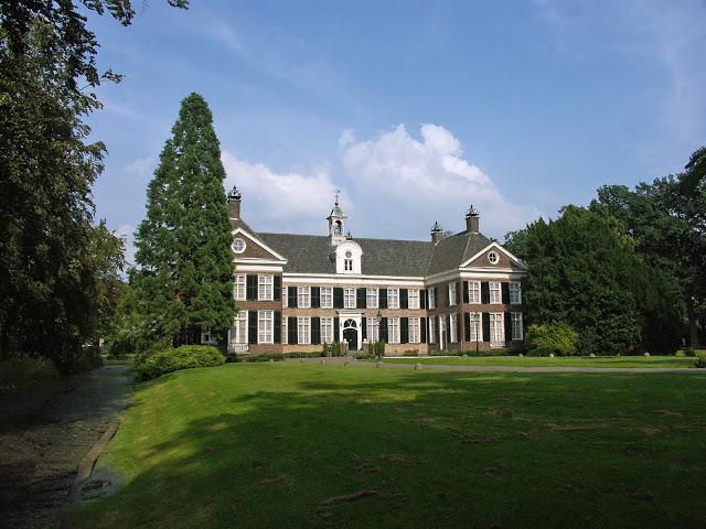 Sequoia bij kasteel Eckart in Eindhoven