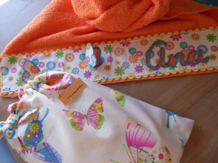 conjunto de mochila y toalla