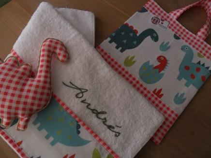 conjunto de bolsa y toalla personalizada