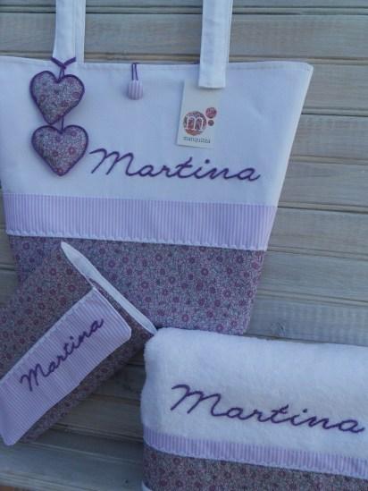 conjunto completo de bolso, cambiador y toalla personalizada