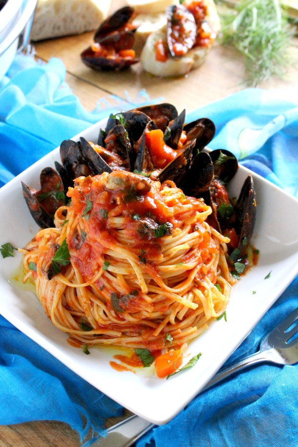 Mussels Linguine with Tomato Fennel Sauce