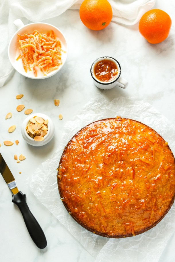 Cake topped with orange marmalade.