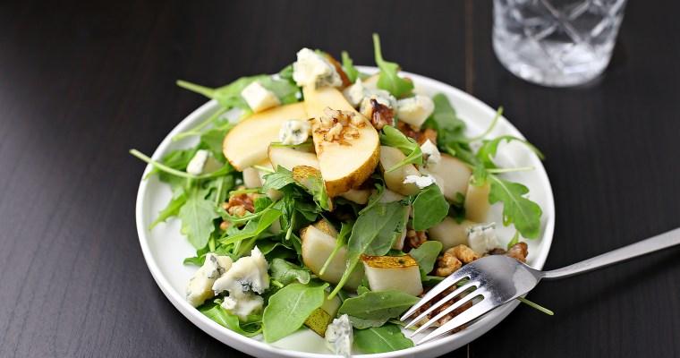 Birnen Gorgonzola Salat mit karamellisierten Walnüssen