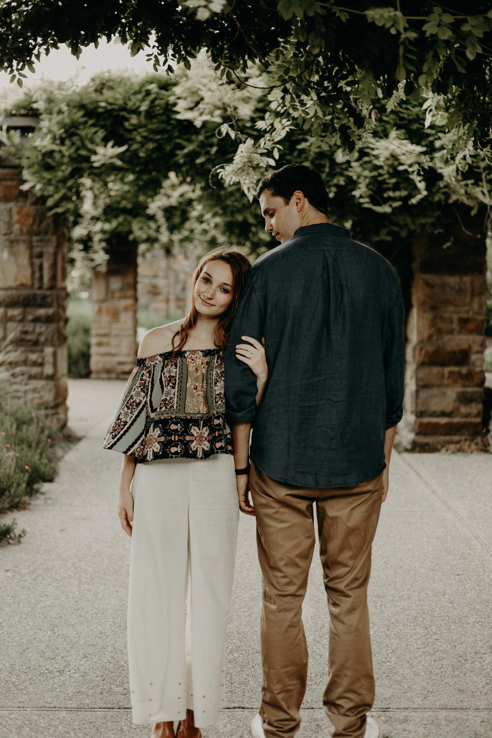 botanical gardens Fort Worth engagement photo