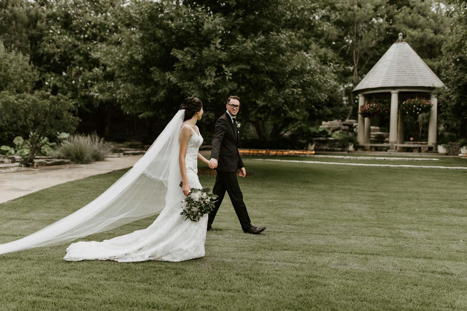Fort Worth botanical gardens wedding photography