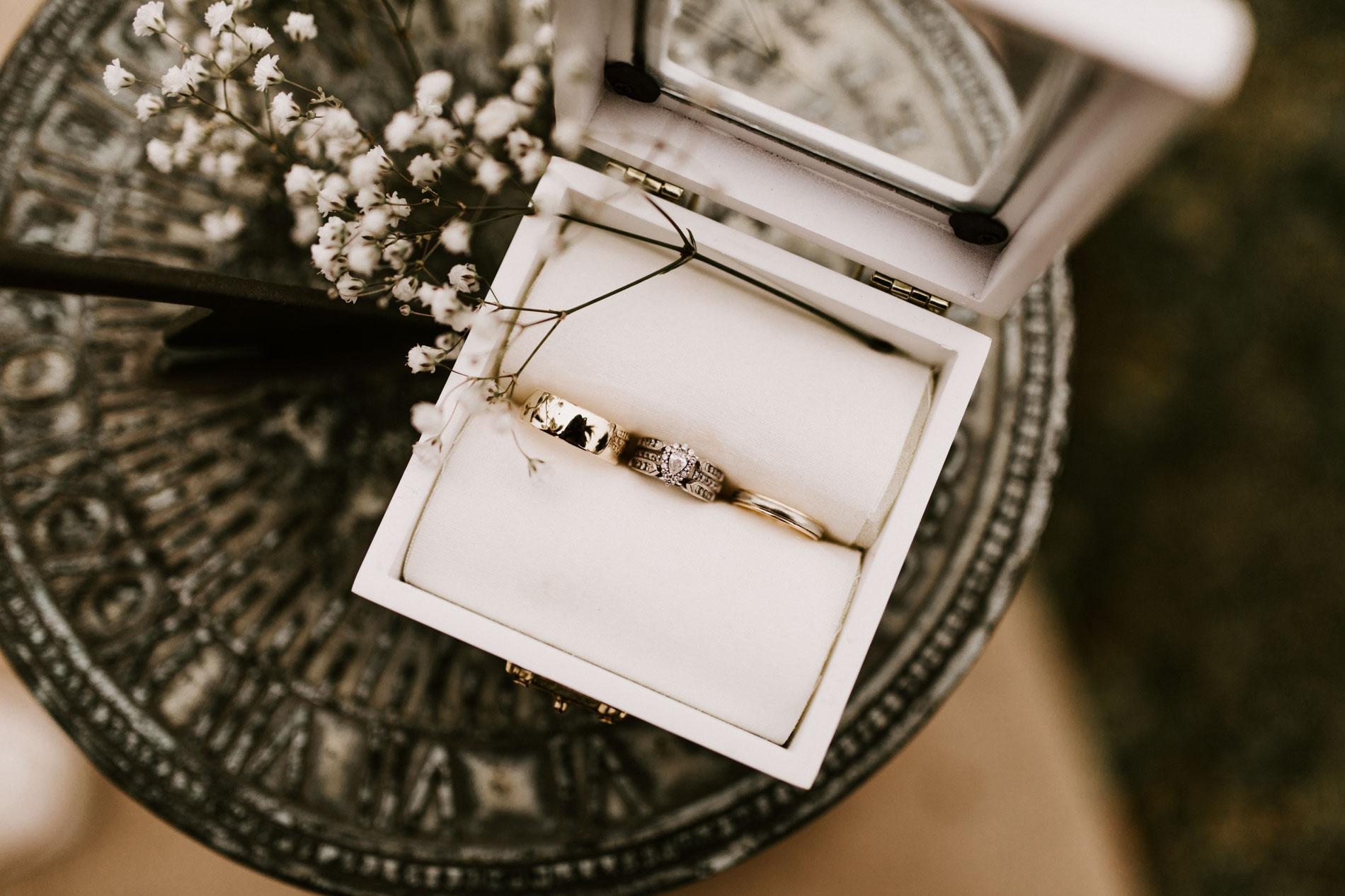 Beautiful wedding ring detail shot