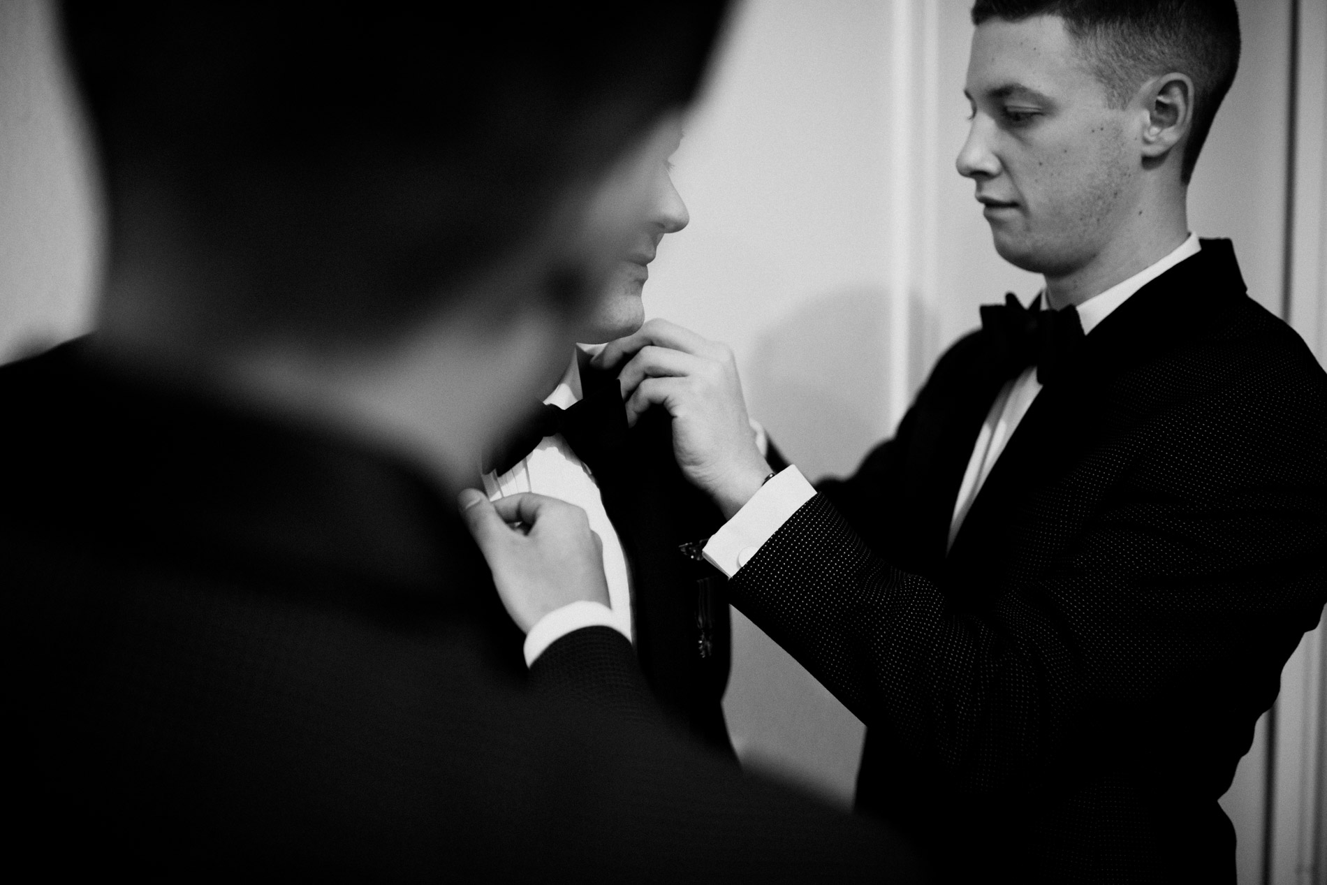 groom getting ready for wedding day