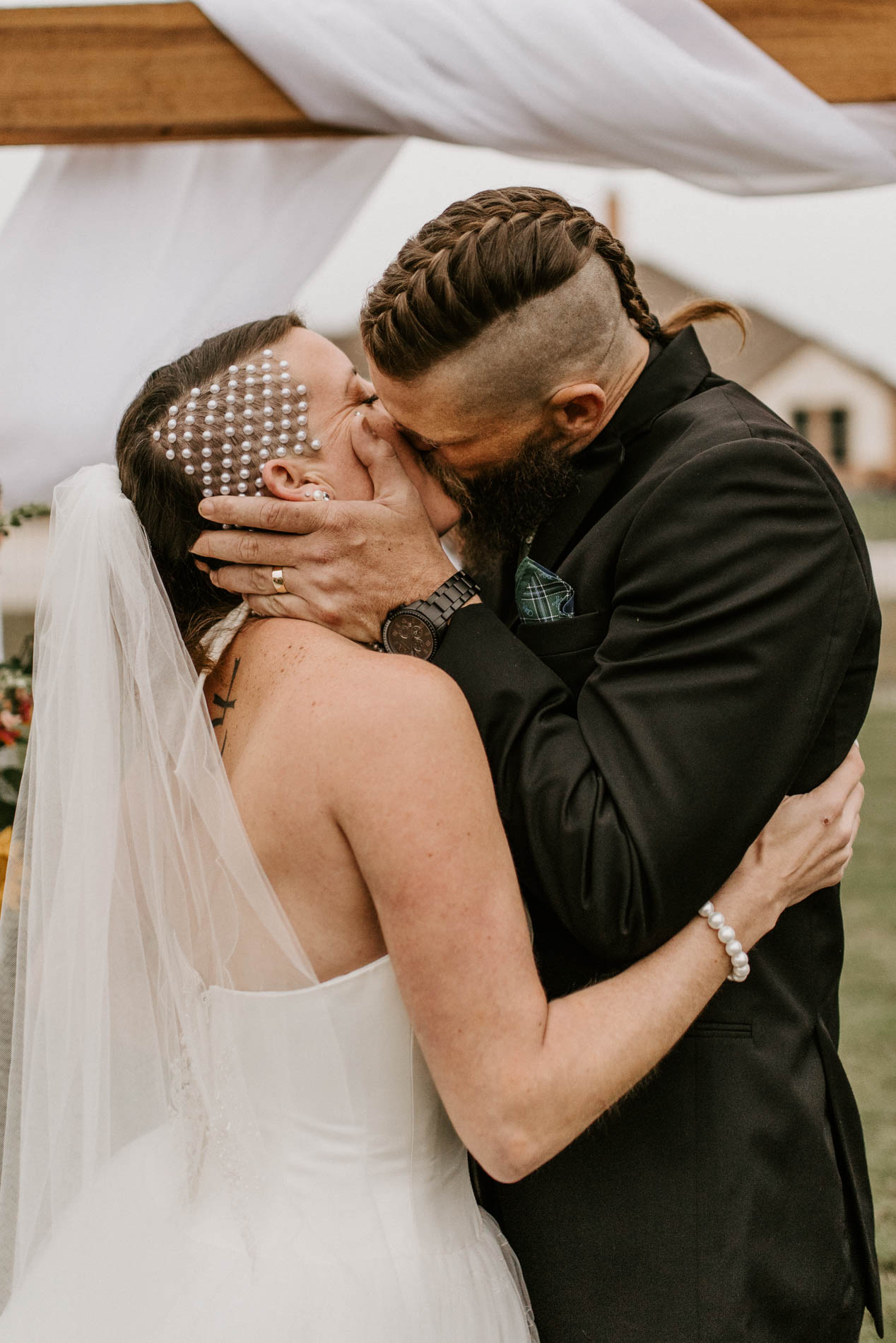 first kiss at alternative wedding ceremony