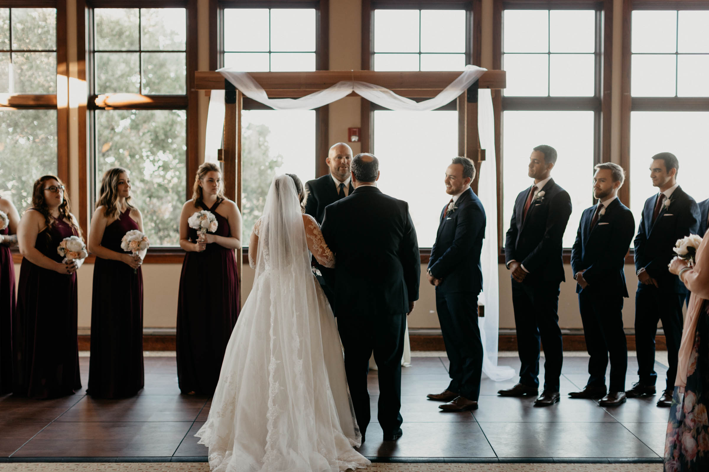 photographer shows off her DFW wedding photography skills