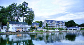 Bay Pointe Inn and Conference Center