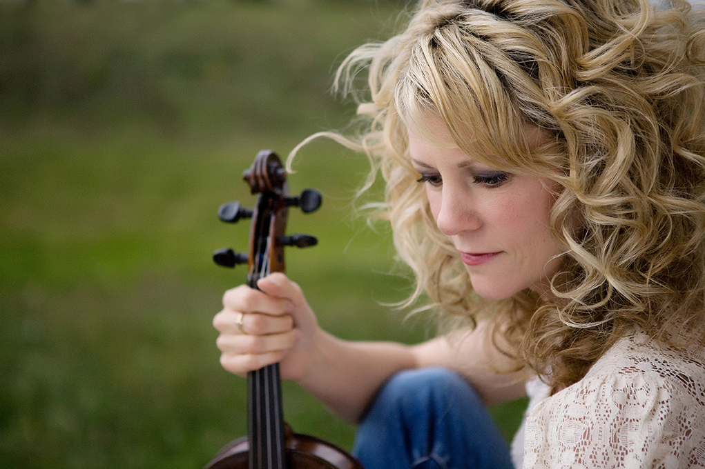 """Queen of the Fiddle"" Natalie MacMaster Receives Eighth JUNO Award Nomination for Latest Release, Sketches"