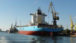 maersk_patras_in_gdansk-zeesenboot-16x9