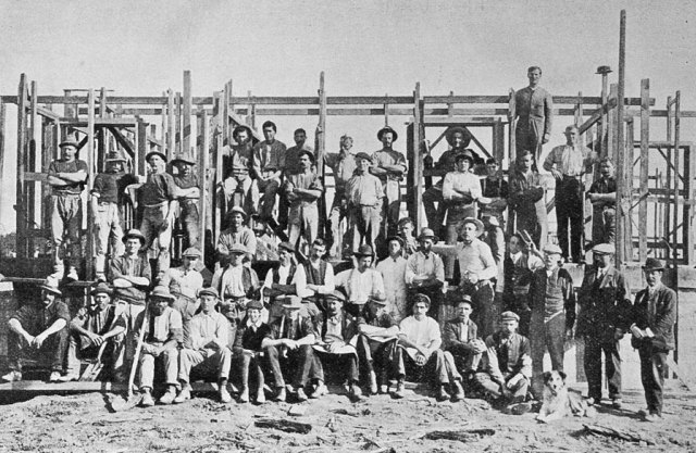 Wireless station in North Auckland: group of the men engaged in building the high power wireless plant at Awanui