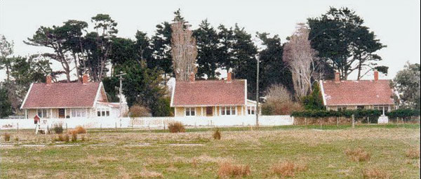 Staff houses at Awarua Radio ZLB in 1990