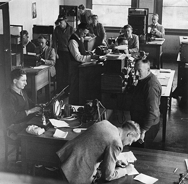 Operators at Awarua Radio ZLB in August 1945