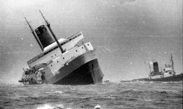 The inter-island ferry Wahine sinking in Wellington harbour, 10 April 1968