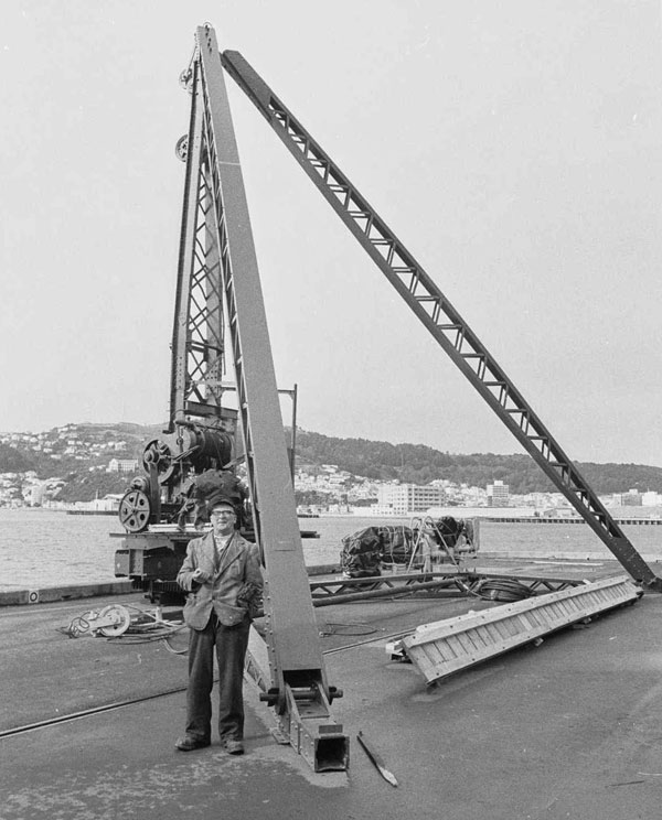 Derrick crane on Queen's Wharf, Wellington, destined for salvage work on the Wahine wreck