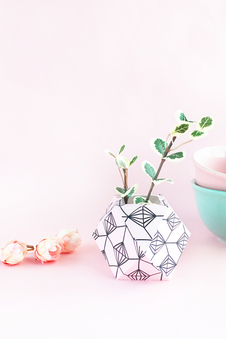 DIY Patterned Paper Planters on Maritza Lisa - If you have a brown thumb like me - pretty faux plants and flowers are a must - here are some cute planters for them!