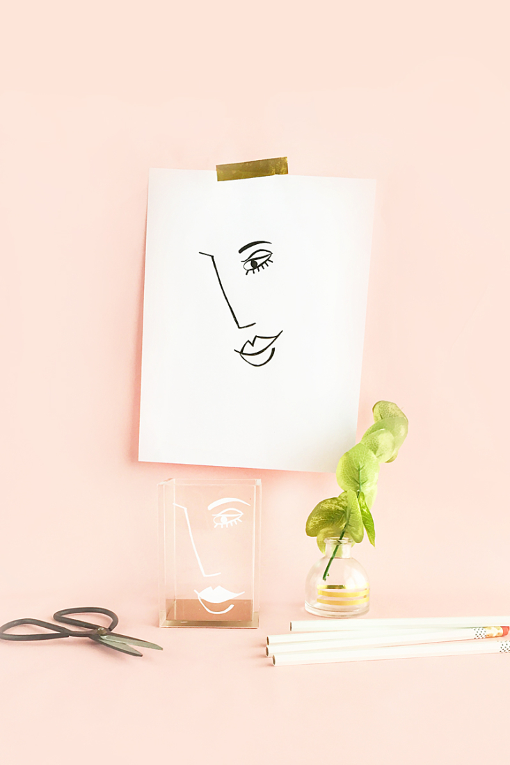 DIY Abstract Face Desk Accessory Cup - Maritza Lisa: Learn how to make this modern pencil and pen cup by drawing and then using vinyl! #diy #tutorial #vinyl #craft #stationery