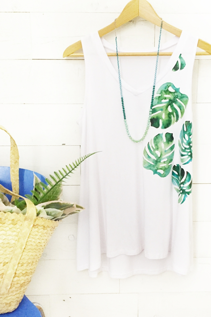 DIY Monstera Leaf Tank Top - Maritza Lisa: customize your style with this tropical leaf tank using iron on image transfer. Click through for the tutorial!