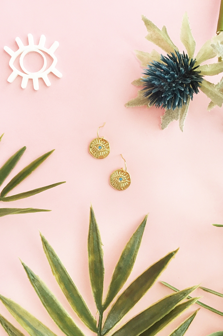 Easy DIY Gold Evil Eye Drop Earrings on Maritza Lisa - make these earrings in just 5 minutes! Perfect for everyday wear - click through for the tutorial!