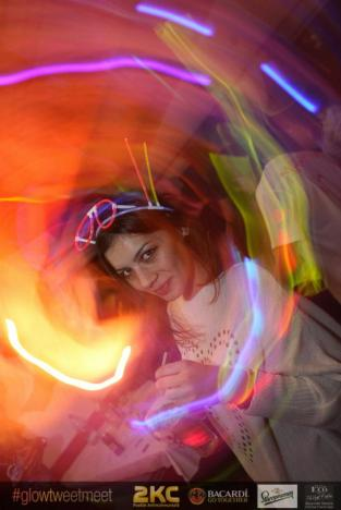 glow_party4