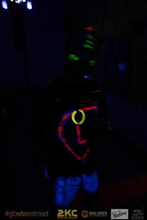 glow_party8