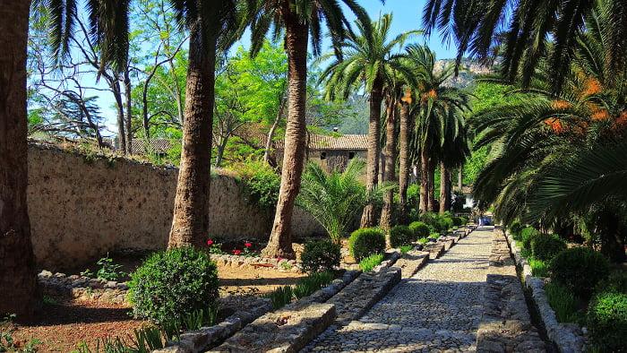 jardines de alfabia mallorca spania vacanta