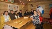 Слет оленеоводов, рыболовов и охотников. д. Русскинские. Молодые сургутские активисты в музее.